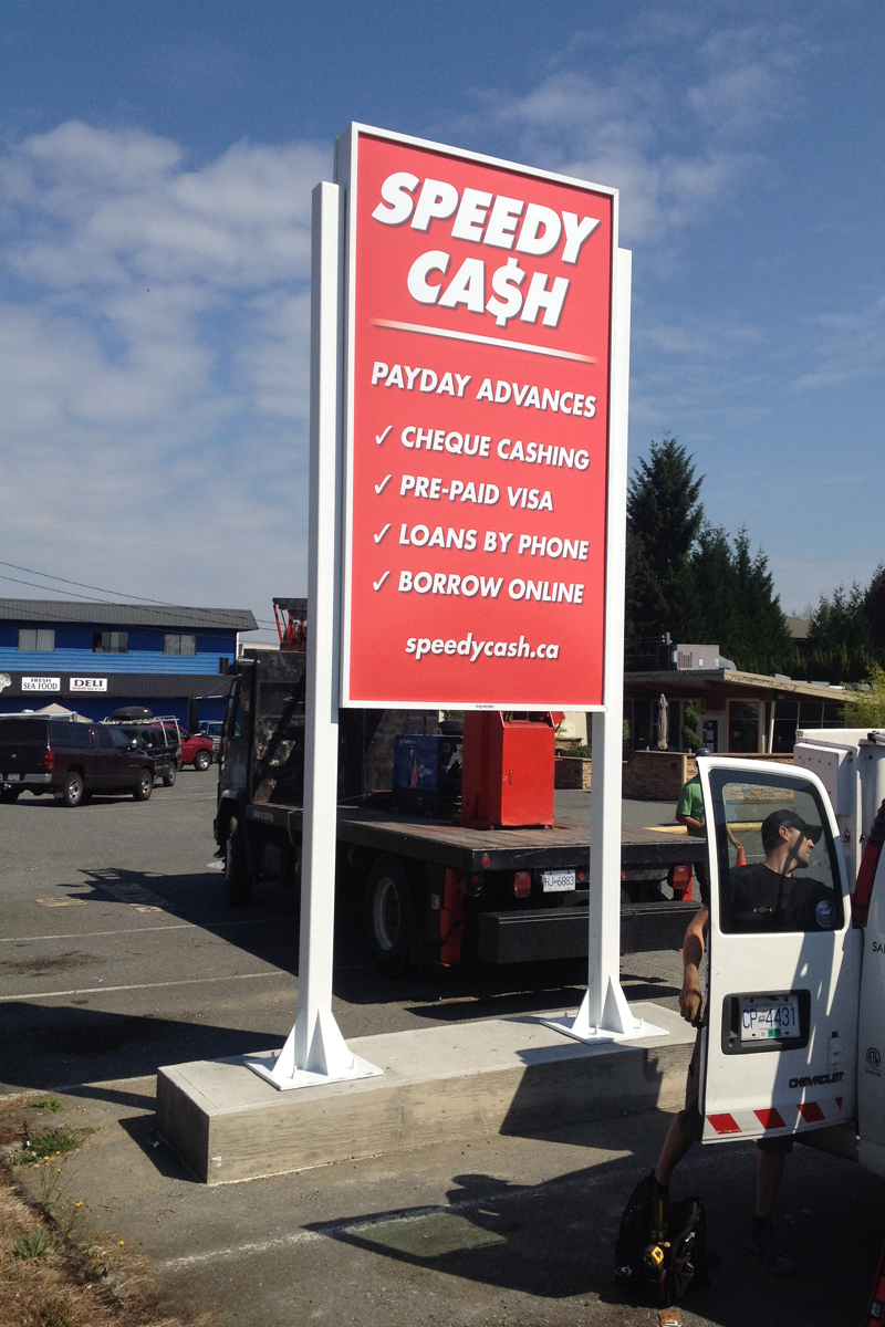 Speedy Cash Pylon