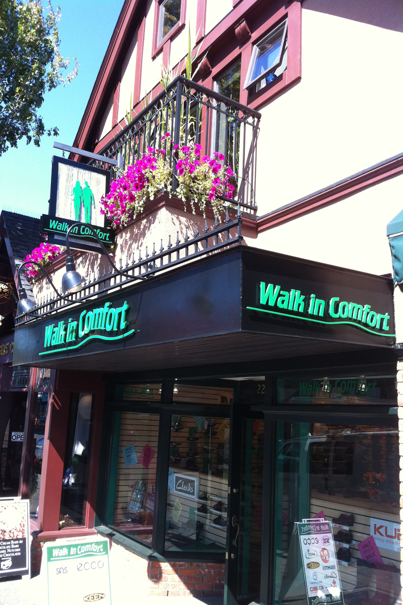 Walk In Comfort Exterior Sign